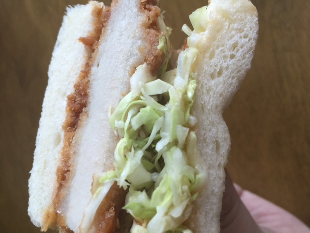 横浜パン屋「 オンニ」の絶品カツサンドとカレーパンは病みつきになる美味さ